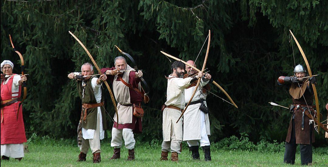 Gli Arcieri del Martello a Mozzate (CO) per partecipare a Storie di Cavalieri e di Palio, sabato 30 giugno 2018.