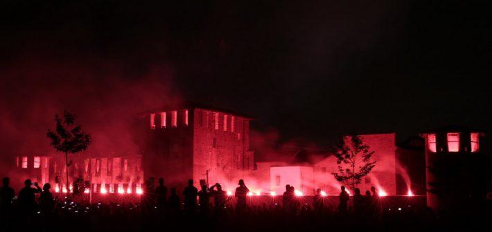 Gli Arcieri del Martello danno il via all'incendio del Castello di Legnano, a conclusione della due giorni di Castello in Festa 2018.